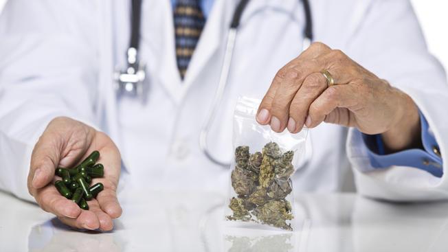 https://hawaiicannabis.org/wp-content/uploads/3fojcc1leuzj9dmih15q1u11-wpengine.netdna-ssl.comwp-contentuploads201612medicalmarijuanastockpharmacistdoctorphysiciancapsulecannabis-dd562440c06fee02e1de0b6562155664db43a93e.jpg